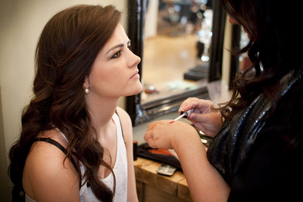 six-hottest-celebrity-makeup-artists